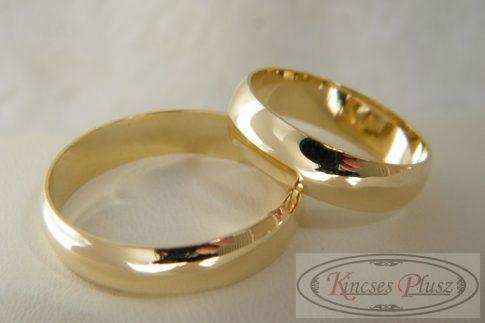 Arany karikagyűrű klasszikus fazon