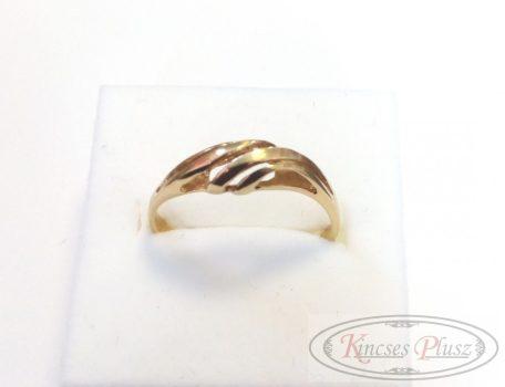Arany gyűrű 57'