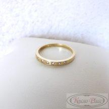 Arany gyűrű sorban köves 56-os méret
