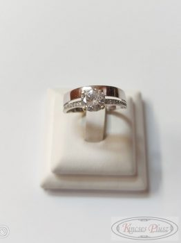 Felújított  gyűrű 58' fehér arany