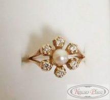 Sokköves arany gyűrű gyönggyel 52-es méret