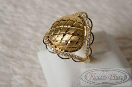 Arany gyűrű köves 59ésfeles méret