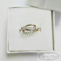 Arany gyűrű fehér arany véséssel 57,5-es