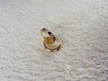 Arany karika fülbevaló lila és fehér színű kövekkel