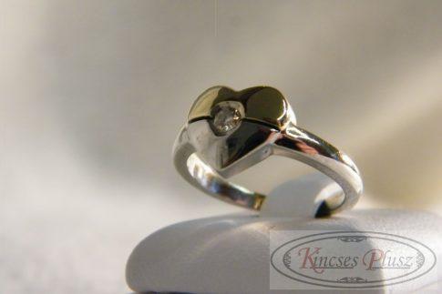 Brill köves arany gyűrű szív formában 53-as méret