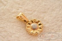 arany medál virág alakú