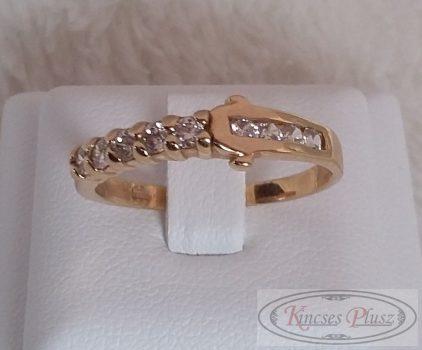 arany köves  gyűrű 57-es méret